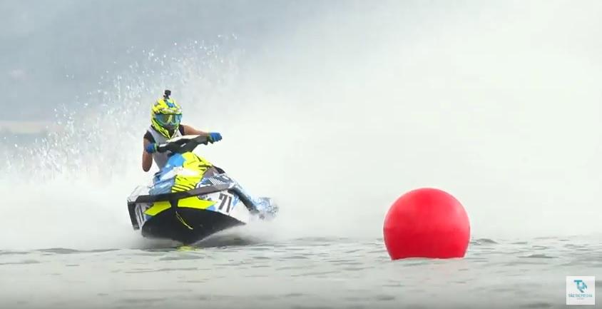 moto agua mar